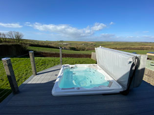 Hot Tub at Tubbs Delight Holiday Home South Devon