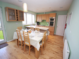 Kitchen/dining room Tubbs Delight holiday home South Devon