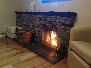 Tubbs Delight holiday cottage in South Devon with an open fire